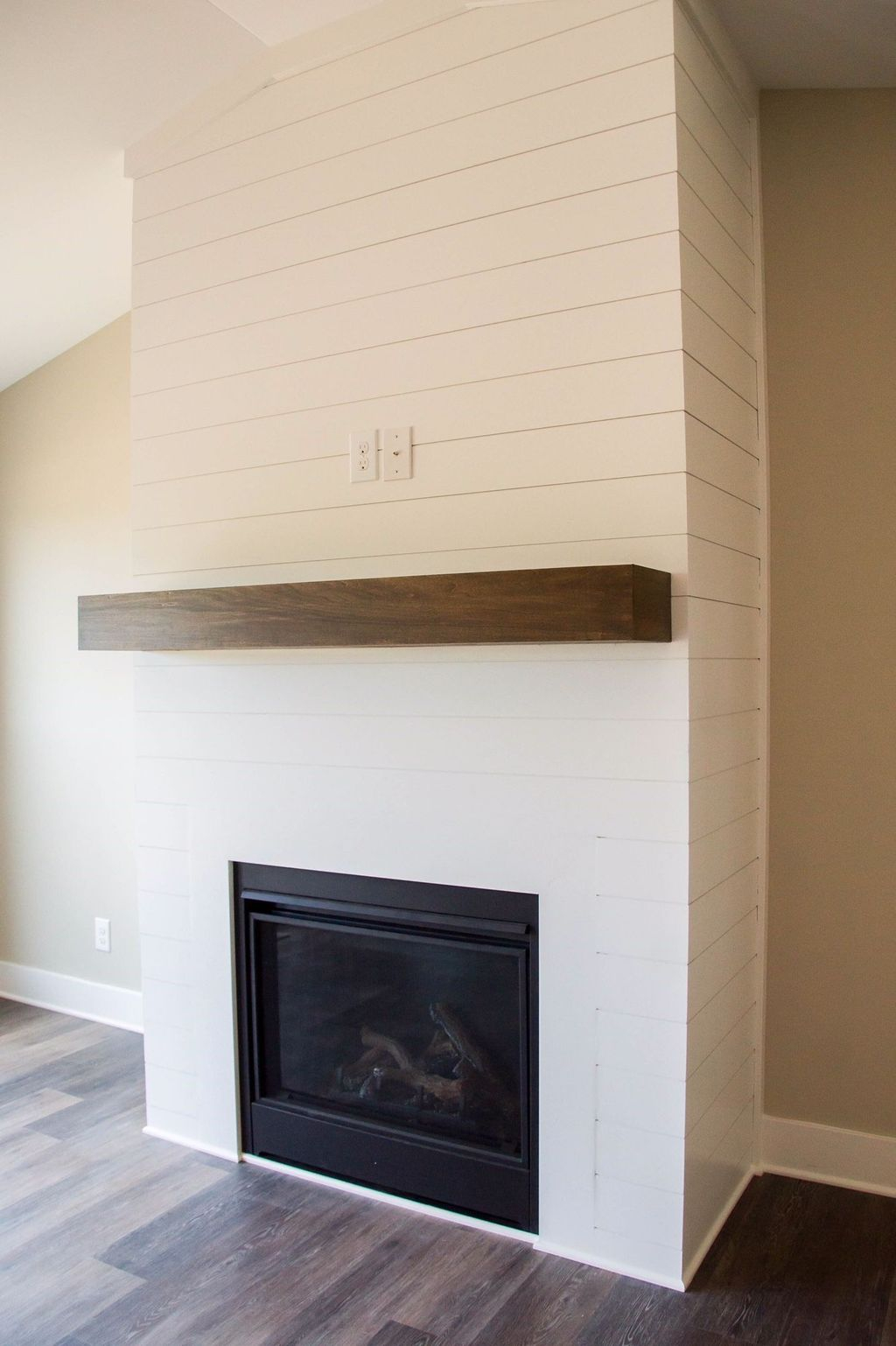 Admiring Fireplace Décor Ideas For Cottage To Try 47
