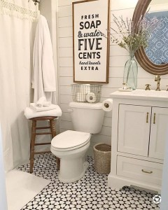 Adorable Farmhouse Bathroom Decor Ideas That Looks Cool 04
