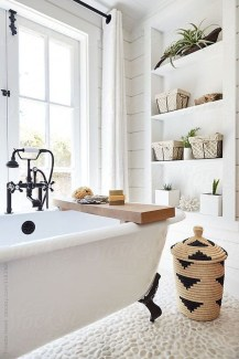 Adorable Farmhouse Bathroom Decor Ideas That Looks Cool 26
