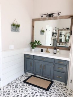 Adorable Farmhouse Bathroom Decor Ideas That Looks Cool 31