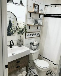 Adorable Farmhouse Bathroom Decor Ideas That Looks Cool 35