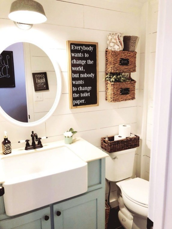Adorable Farmhouse Bathroom Decor Ideas That Looks Cool 44