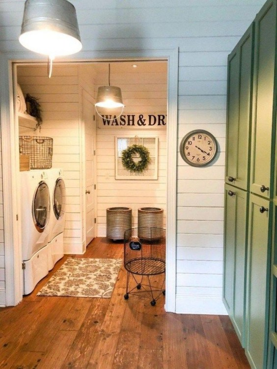 Adorable Farmhouse Bathroom Decor Ideas That Looks Cool 45