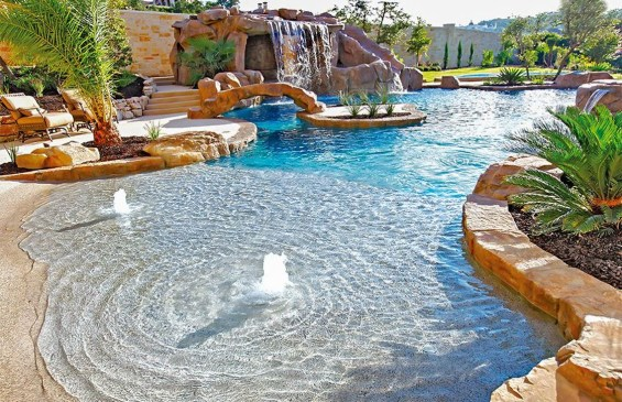 Amazing Swimming Pools Design Ideas For Small Backyards 23