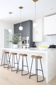 Comfy White Kitchen Cabinets Design Ideas To Try 29