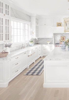 Comfy White Kitchen Cabinets Design Ideas To Try 45