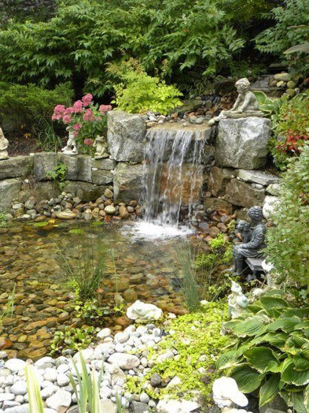 Cool Fish Pond Garden Landscaping Ideas For Backyard 36
