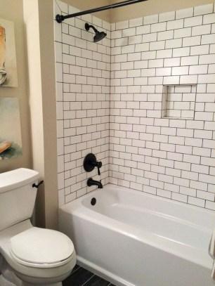 Inspiring Small Bathroom Design Ideas With Wood Decor To Inspire 06