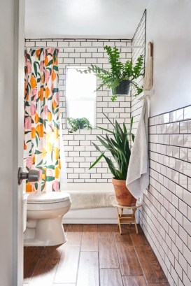 Inspiring Small Bathroom Design Ideas With Wood Decor To Inspire 09