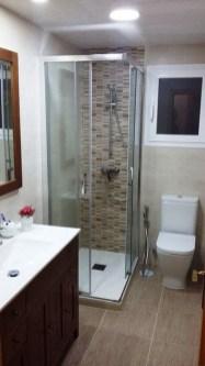 Inspiring Small Bathroom Design Ideas With Wood Decor To Inspire 40