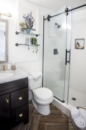 Inspiring Small Bathroom Design Ideas With Wood Decor To Inspire 41