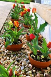 Modern Flower Beds Rocks Ideas For Front House To Try 21