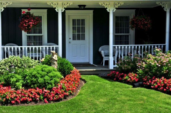 Modern Flower Beds Rocks Ideas For Front House To Try 35