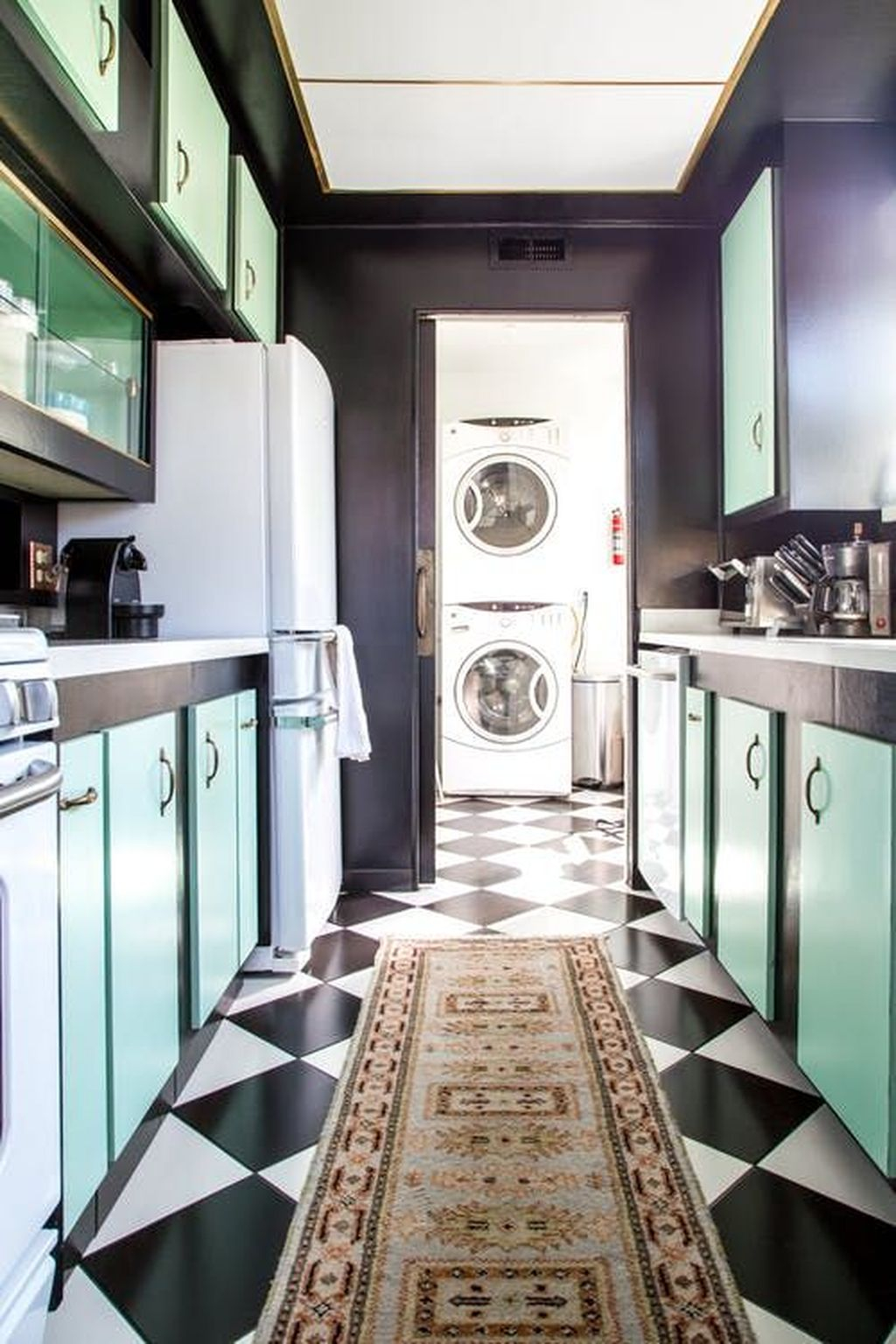 Relaxing Kitchen Cabinet Colour Combinations Ideas To Try 28
