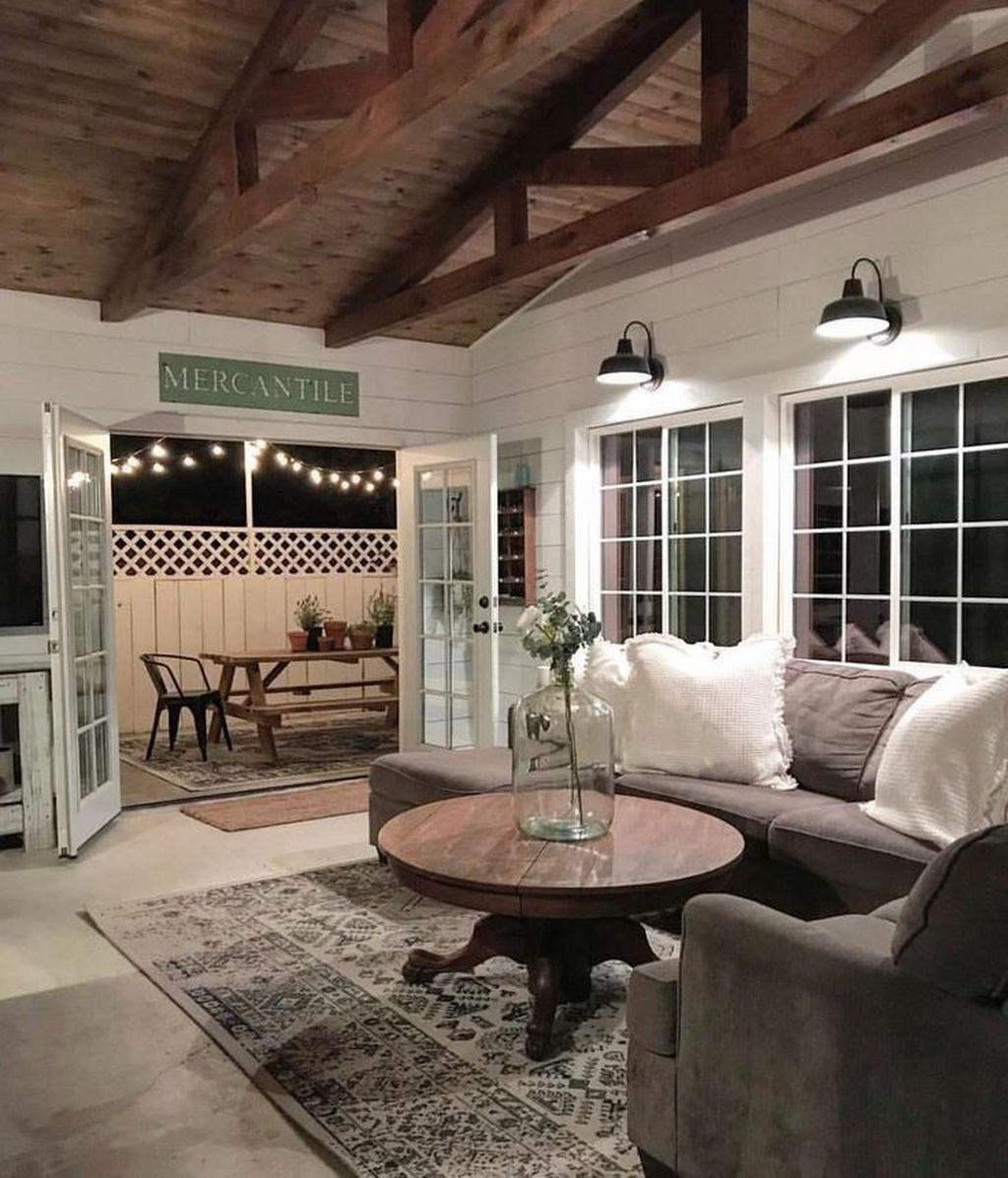 Splendid Farmhouse Living Room Decor Ideas 33