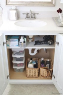 Affordable Diy Bathroom Storage Ideas For Small Spaces 38