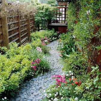 Amazing Design For Tiny Yard Garden 07