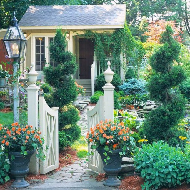 Amazing Design For Tiny Yard Garden 31