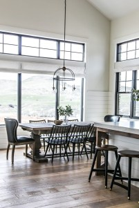Astonishing Rustic Dining Room Desgin Ideas 25