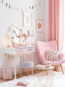 Cute And Girly Pink Bedroom Design For Your Home 27