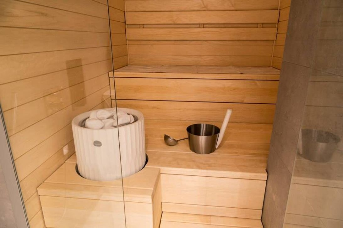 38 easy and cheap diy sauna design you can try at home. Black Bedroom Furniture Sets. Home Design Ideas