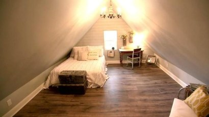 Elegant Small Attic Bedroom For Your Home 06