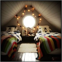Elegant Small Attic Bedroom For Your Home 09