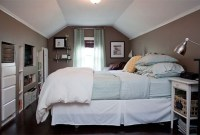 Elegant Small Attic Bedroom For Your Home 46