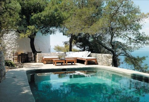 Gorgeous Mediterranean Swimming Pool Designs Out Of Your Dream 28