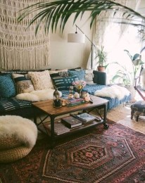 Stunning Bohemian Living Room Design Ideas 15