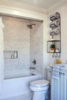 Stylish Small Master Bathroom Remodel Design Ideas 22
