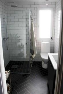 Stylish Small Master Bathroom Remodel Design Ideas 31