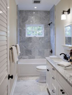Stylish Small Master Bathroom Remodel Design Ideas 40