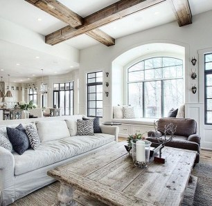 Amazing Lodge Living Room Decorating Ideas 26