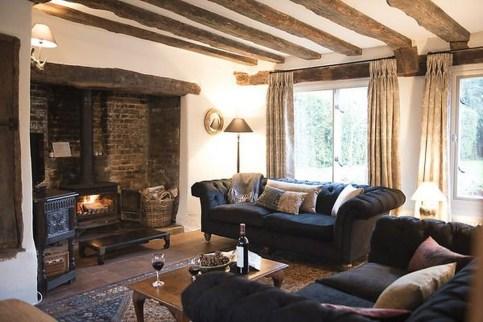 Amazing Lodge Living Room Decorating Ideas 39