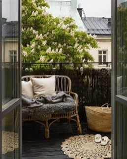 Awesome Apartment Balcony Design Ideas 19