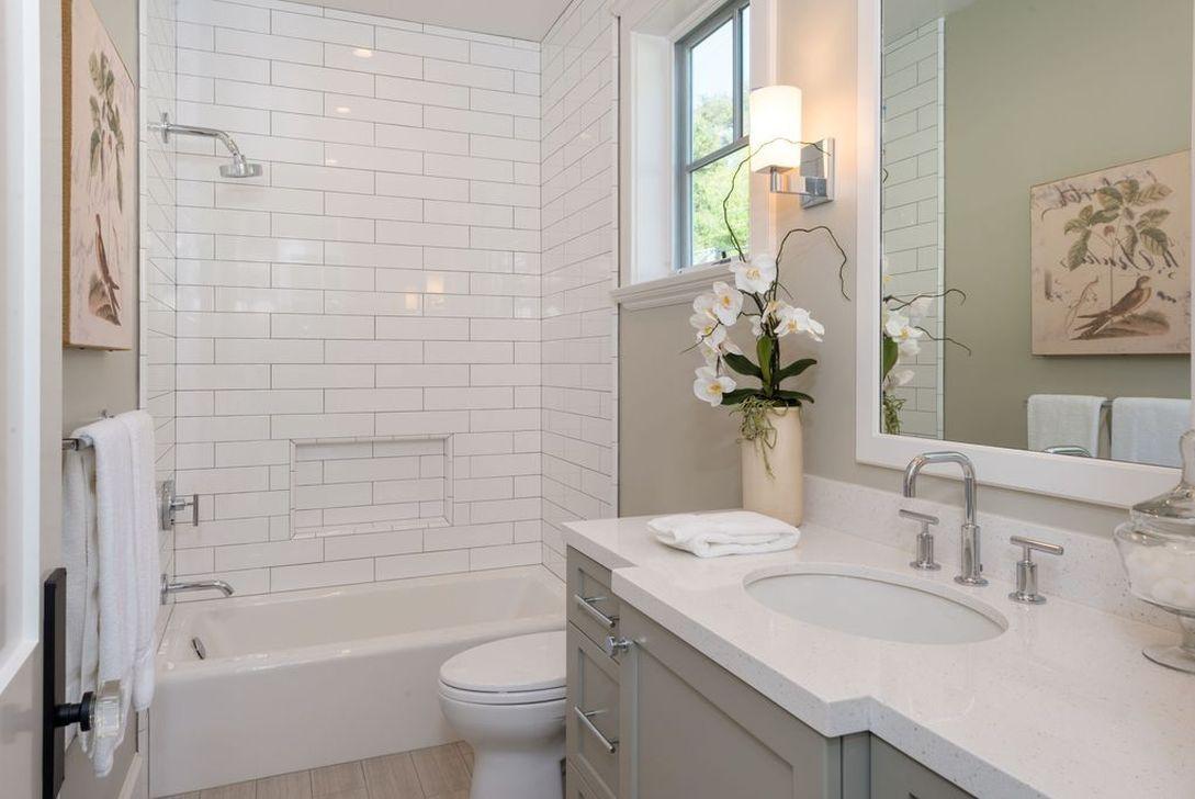Beautiful Classic Bathroom Design Ideas 07
