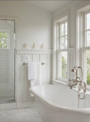 Beautiful Classic Bathroom Design Ideas 25