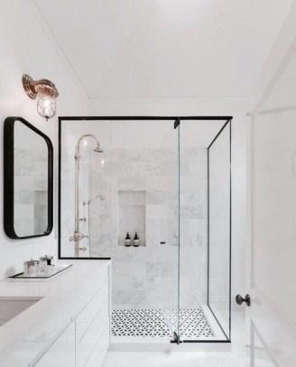 Beautiful Classic Bathroom Design Ideas 34