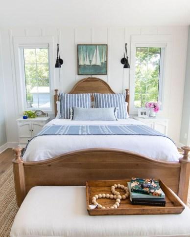 Comfortable Lake Bedroom Design Ideas 05