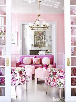 Cute Pink Lving Room Design Ideas 18