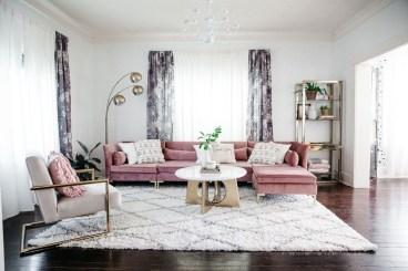 Cute Pink Lving Room Design Ideas 19