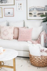 Cute Pink Lving Room Design Ideas 23