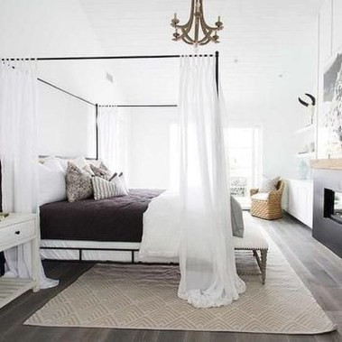 Glamorous Canopy Beds Ideas For Romantic Bedroom 03