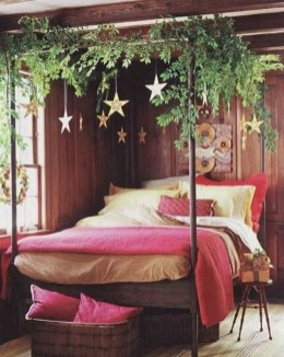 Glamorous Canopy Beds Ideas For Romantic Bedroom 28