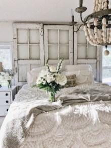 Lovely Shabby Chic Living Room Design Ideas 38