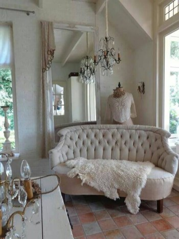 Lovely Shabby Chic Living Room Design Ideas 43