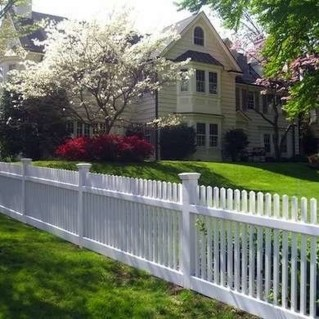 Relaxing Front Yard Fence Remodel Ideas For Your Home 03