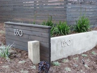 Relaxing Front Yard Fence Remodel Ideas For Your Home 26