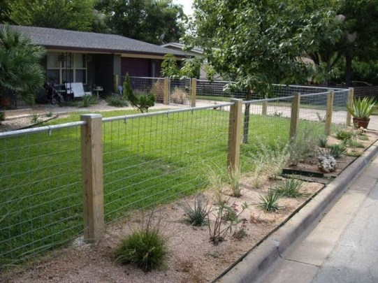 Relaxing Front Yard Fence Remodel Ideas For Your Home 32